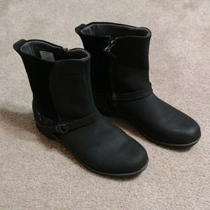 Eddie Bauer Covey boots